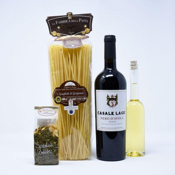 Italia piccola e vino rosso